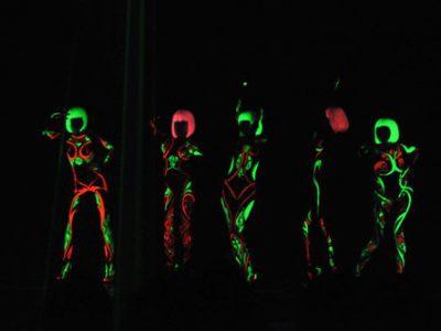 Decal nhiệt dạ quang ép trang phục biểu diễn